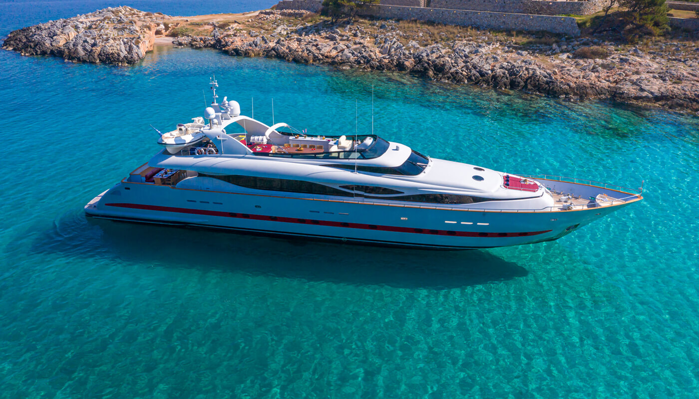 Glaros | Maiora 39DP 39,65m | 2006 | 12 guests | 6 cabins | 7 crew