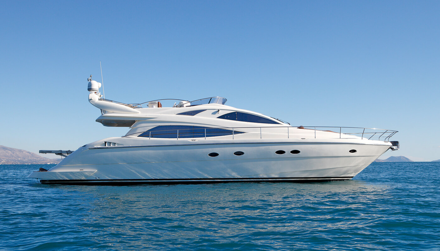 Nell Mare | Aicon 56 17m | 2005/2016 | 7 guests | 3 cabins