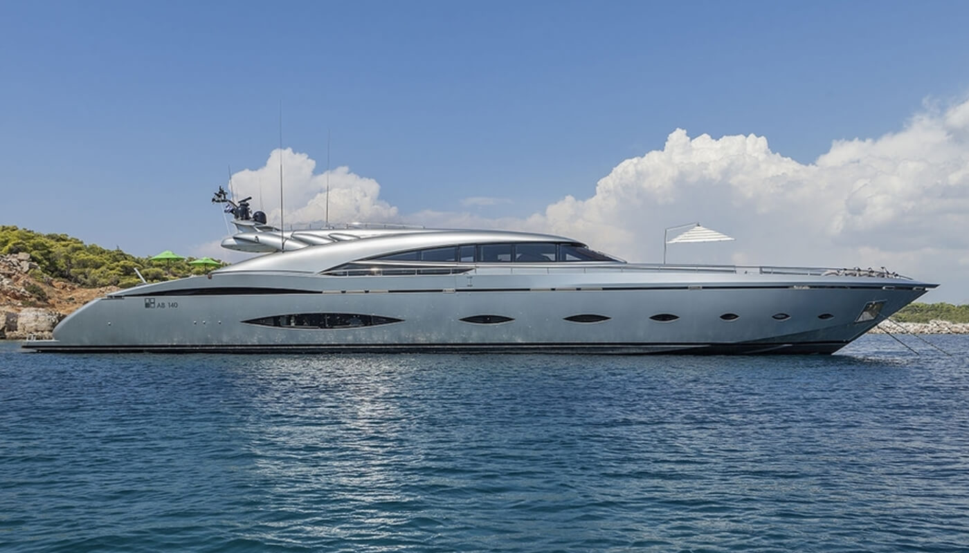 My Toy | AB Yachts 42.67m | 2009/2013 | 10 guests | 5 cabins