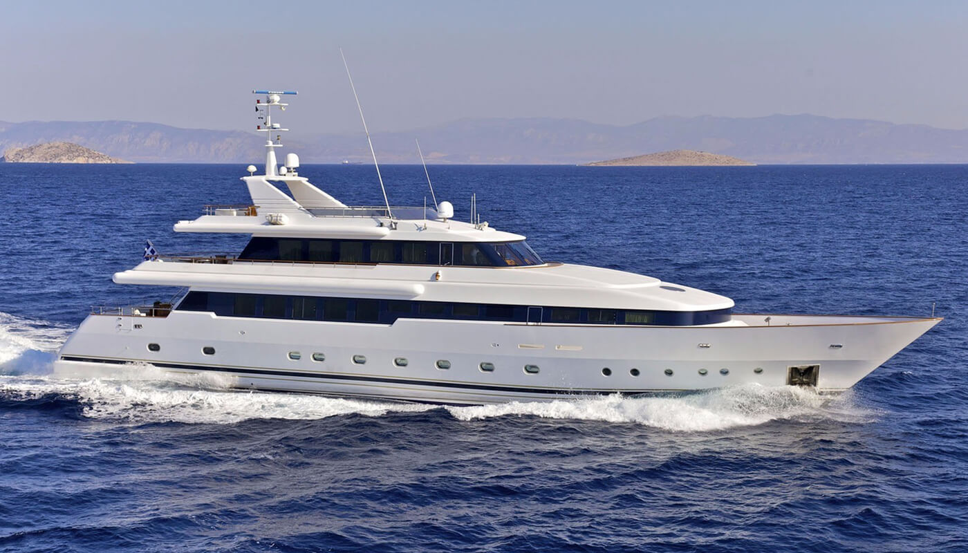 O'Rion | Siar Moschini 41m | 2004/2016 | 12 guests | 6 cabins
