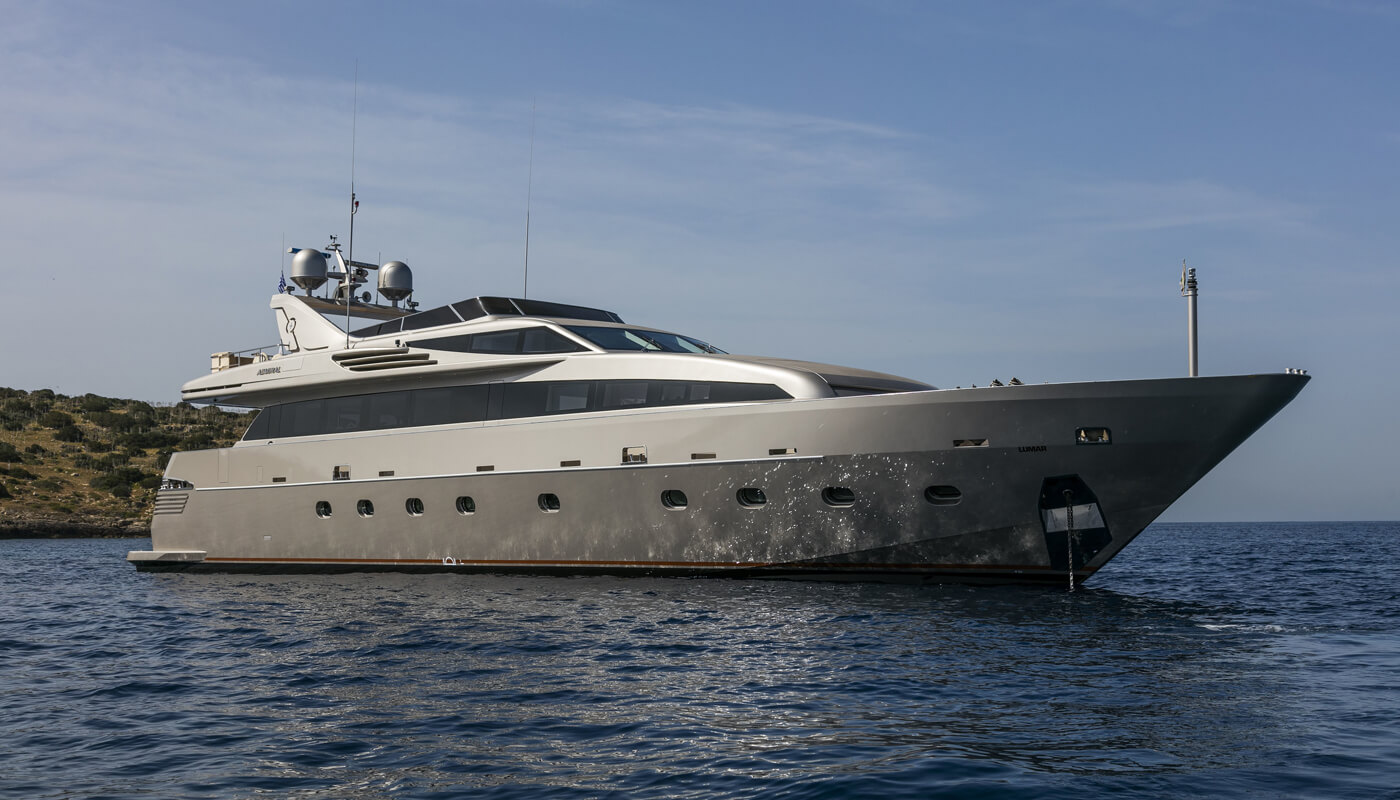 Lumar | Cantieri Navali Lavagna-Admiral 33.80m| 2007 | 8 guests | 4 cabins