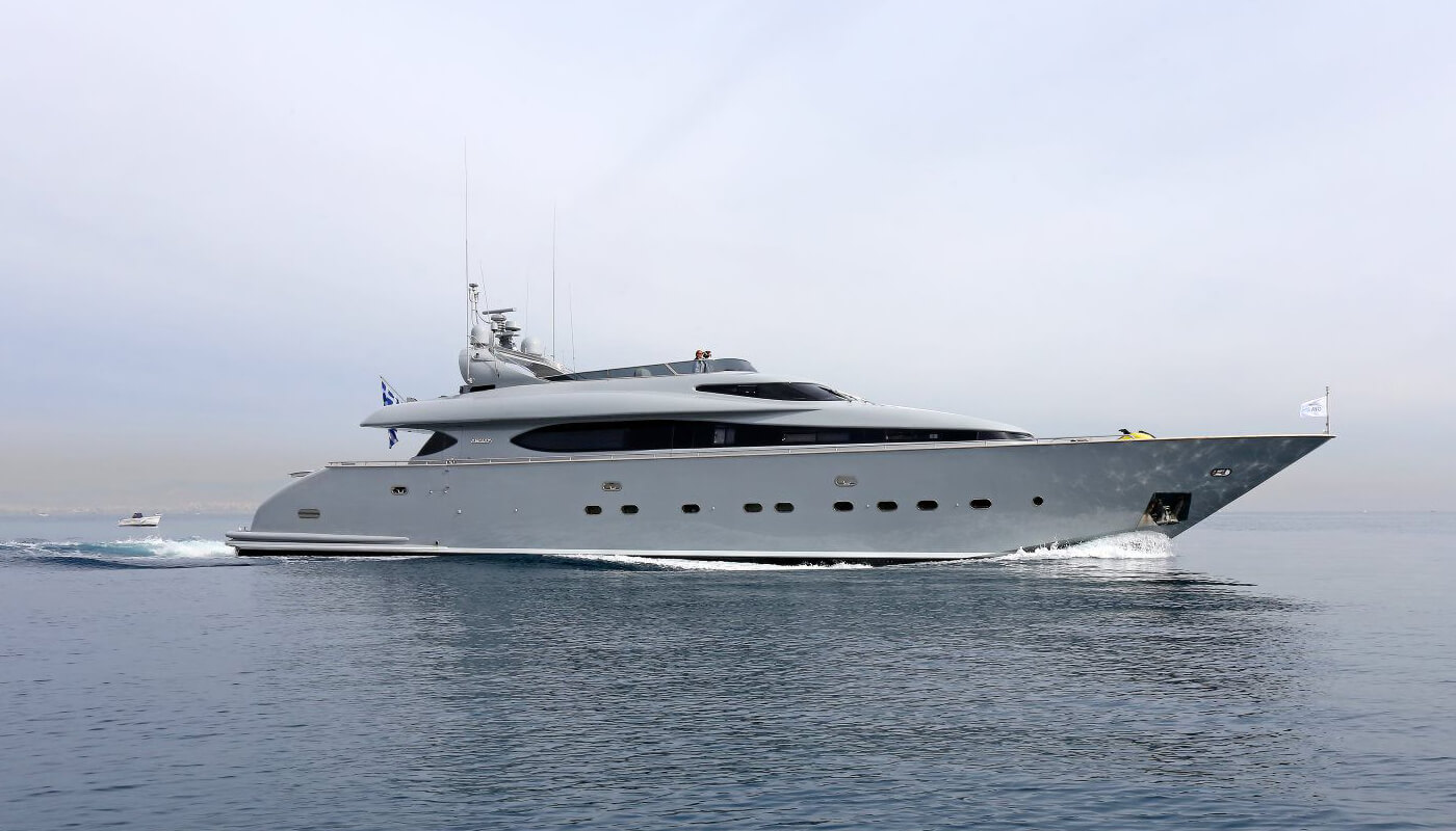 If | Maiora 31.30m| 1999/2015 | 10 guests | 4 cabins