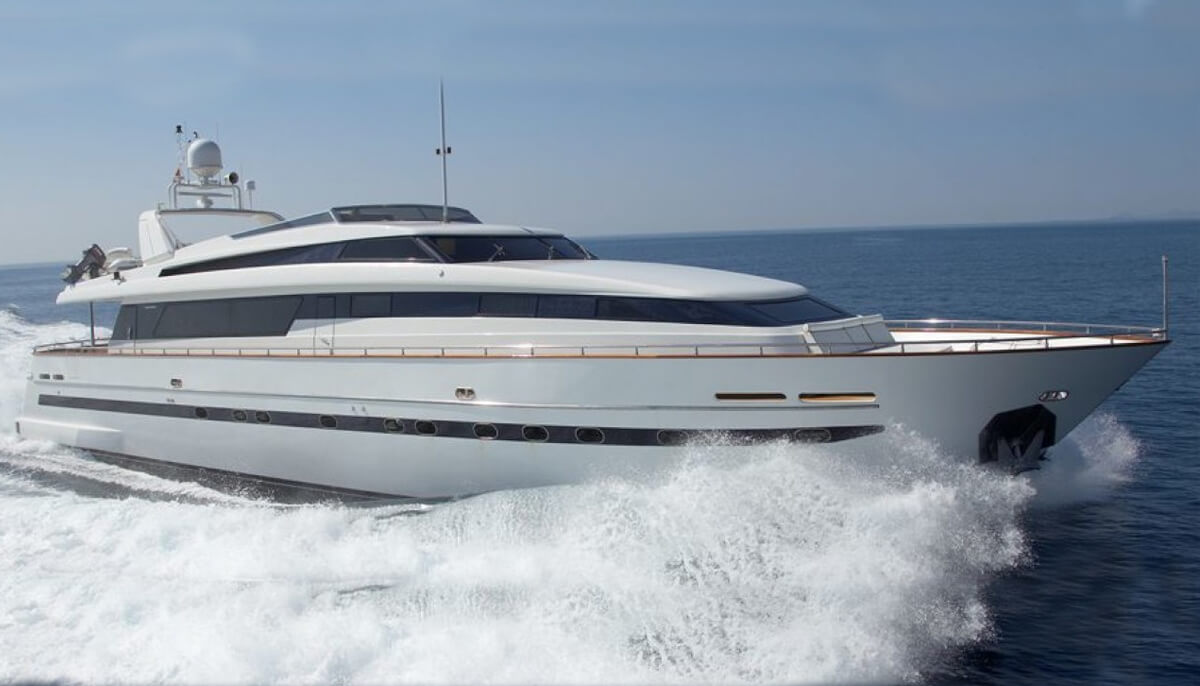 Grace | San Lorenzo 30m| 2001/2019 | 10-12 guests | 5 cabins