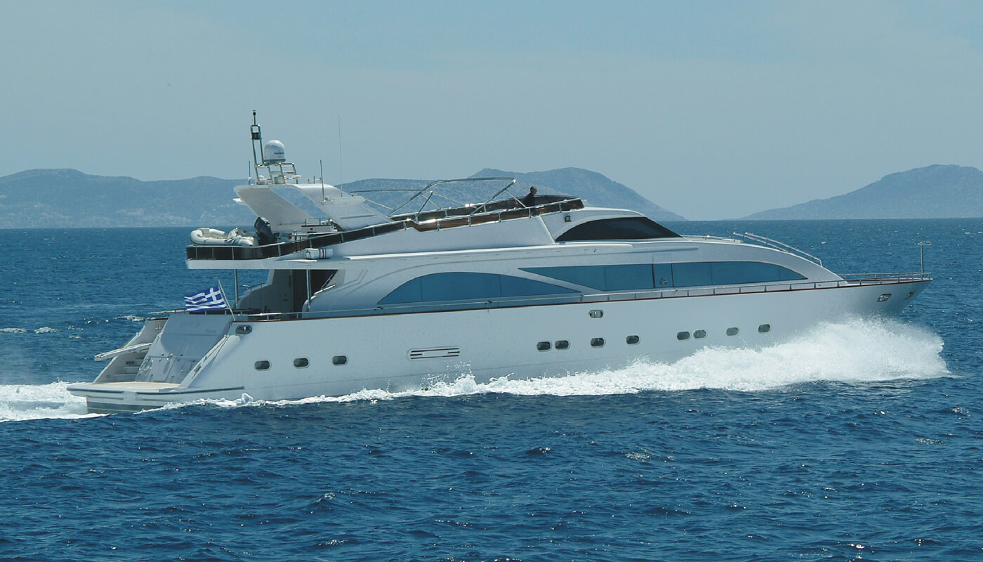 Dream B | Giant 30.25m | 2004 / 2013 | 10 guests | 5 cabins