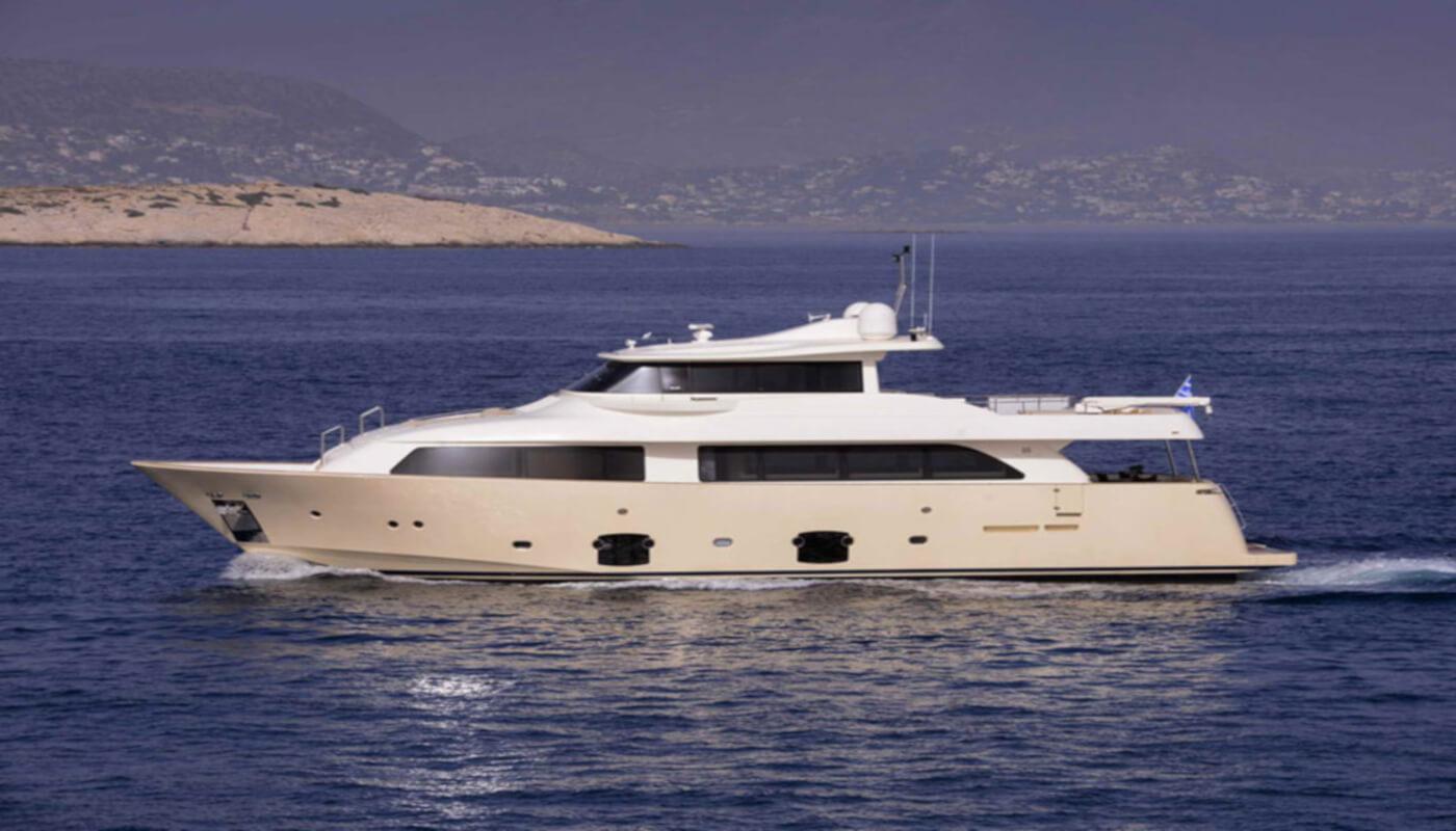 Dana | Custom LineFerretti Navetta 26m | 2008 | 11 guests | 5 cabinsyacht chartering