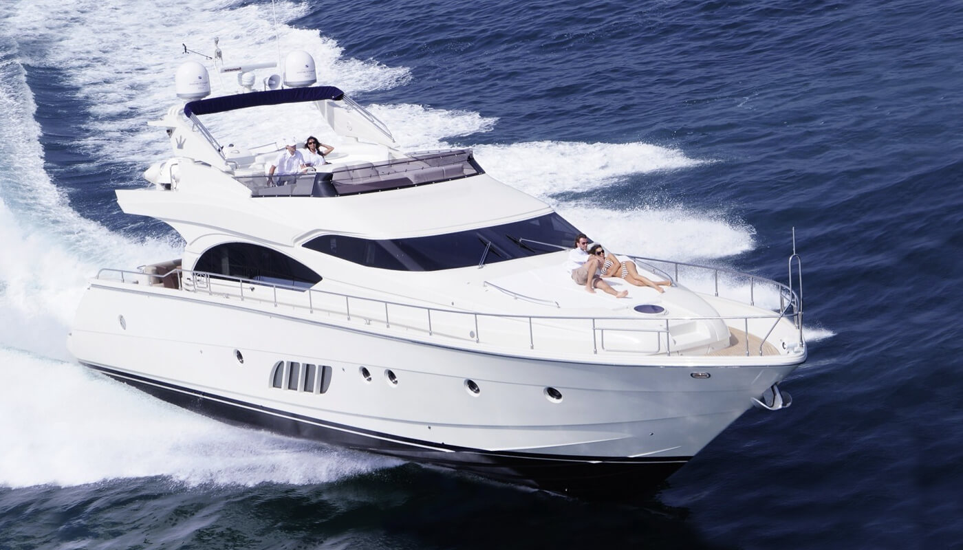 X-Treme | Dominator 21.30m | 2008 | 6 guests | 3 cabins