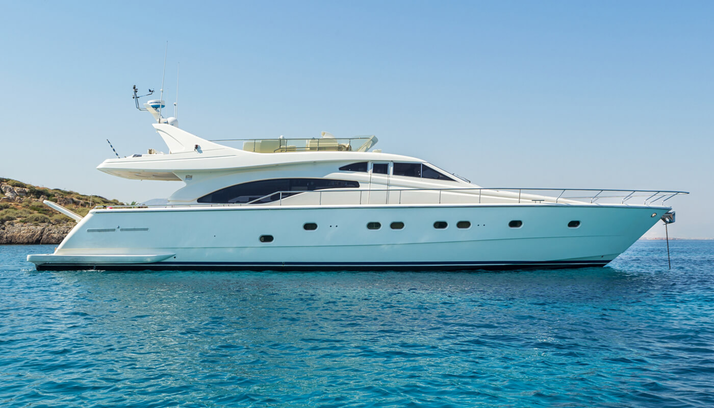 Meli | Ferretti 21.20m | 1999 / 2015 | 8 guests | 4 cabins