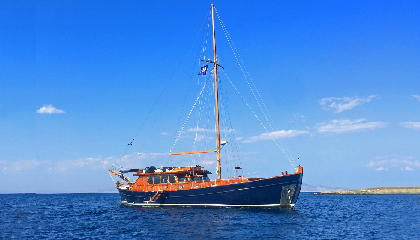 Achileas |Antonis Ploutis 22.50m| 1978/2018 | 7 guests | 4 cabins | 3 crewyacht chartering