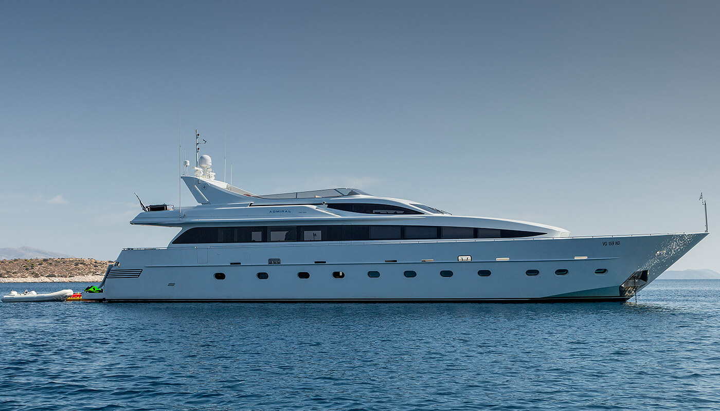 Tropicana | Admiral 32m | 2004/2013 | 10 guests | 5 cabins | 6 crew