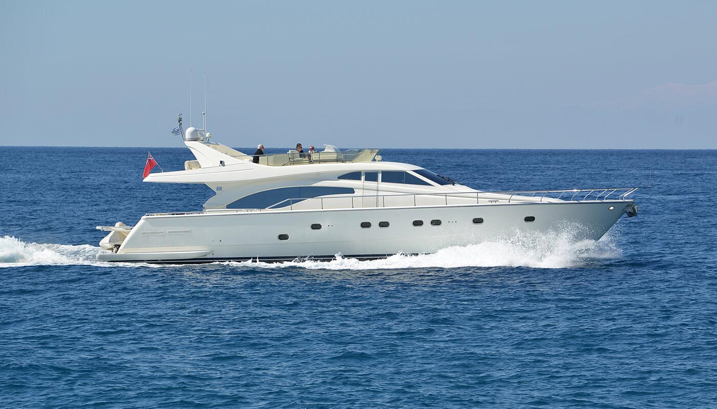 Mary | Ferretti 68' | 2000 / 2016 | 8 guests | 4 cabinsyacht chartering